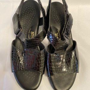 SAS Black Croc  Print Sandals Size 11W